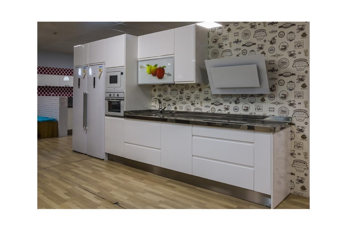 Cocina en exposici n lacada u ero blanca cocif cil mk - Muebles de cocina de exposicion ...