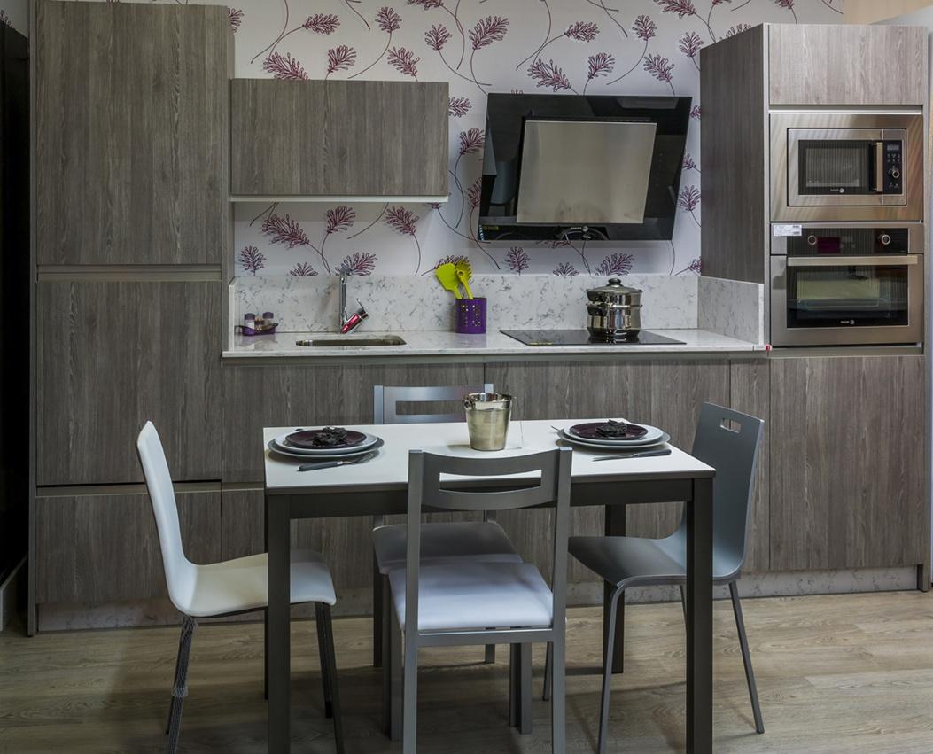 Muebles de cocina de exposicion oferta cocina mobalco por cambio de exposicin precios outlet - Exposicion cocinas barcelona ...